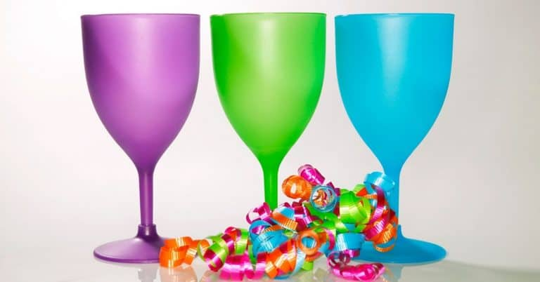 A Guide to 36 Plastic Wine Glasses Just Right for You!